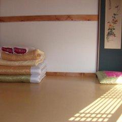 Отель Hyosunjae Hanok Guesthouse удобства в номере