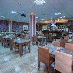 Отель Grand Hotel Азербайджан, Баку - 8 отзывов об отеле, цены и фото номеров - забронировать отель Grand Hotel онлайн гостиничный бар