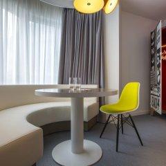 Отель Radisson RED Brussels 4* Студия с различными типами кроватей фото 8