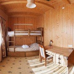 Гостиница Solnce Karpat Коттедж с различными типами кроватей фото 22