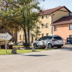 Hotel Brochów Вроцлав парковка
