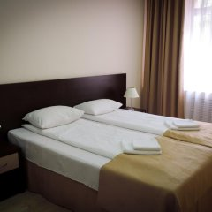 Гостиница Inn Ordzhonikidze 8а Семейный люкс с 2 отдельными кроватями фото 6