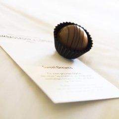 Small Luxury Hotel Ambassador Zürich 4* Номер Делюкс с двуспальной кроватью фото 2