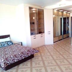 Апартаменты Studio At Dnipro Naberezhnaya Днепр комната для гостей фото 2