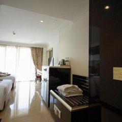 Отель LK President Номер Делюкс с различными типами кроватей