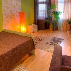 Отель Just Like Home Номер Делюкс с различными типами кроватей