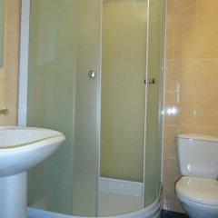 Гостиница Дубрава Стандартный номер с двуспальной кроватью фото 9