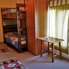 Отель Machanents Guesthouse 2* Кровать в общем номере с двухъярусной кроватью фото 2