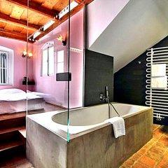 Отель Design Neruda 4* Улучшенный номер с различными типами кроватей фото 14