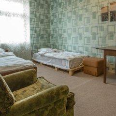 Отель Just Like Home Стандартный номер с различными типами кроватей (общая ванная комната) фото 6