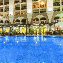 Babylon Hotel бассейн