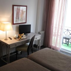 Отель Carlton 3* Улучшенный номер с различными типами кроватей фото 2