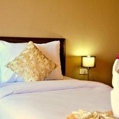Отель AM Surin Place Номер Делюкс с двуспальной кроватью фото 10