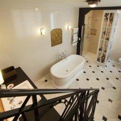 Отель Louise sur Cour 4* Номер Делюкс с разными типами кроватей
