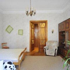 Ester President Hostel Стандартный номер с 2 отдельными кроватями (общая ванная комната) фото 20