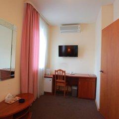 Гостиница У фонтана 3* Улучшенный номер двуспальная кровать фото 9