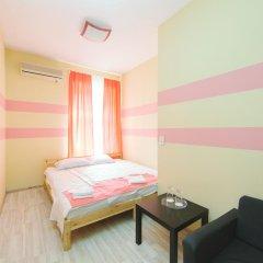 Мини-Отель Компас Стандартный номер с двуспальной кроватью (общая ванная комната) фото 12