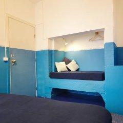 Отель Lisbon Story Guesthouse 3* Стандартный номер с двуспальной кроватью (общая ванная комната) фото 16