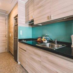 Отель Adelphi Suites Bangkok 4* Студия с различными типами кроватей фото 10