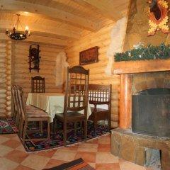 Гостиница Panska Sadyba Hotel Украина, Волосянка - отзывы, цены и фото номеров - забронировать гостиницу Panska Sadyba Hotel онлайн гостиничный бар