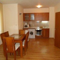 Апартаменты Cedar Lodge 3/4 Self-Catering Apartments Банско в номере