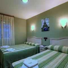 Отель Hostal Regio Стандартный номер с различными типами кроватей фото 9
