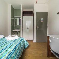 Отель LSE Carr-Saunders Hall 2* Стандартный номер с двуспальной кроватью (общая ванная комната) фото 3