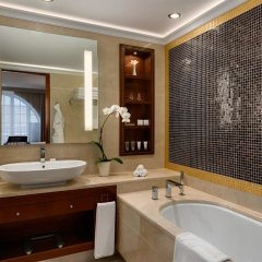 Grand Hotel Kempinski Vilnius 5* Полулюкс с двуспальной кроватью