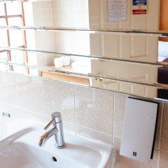 Pymgate Lodge Hotel 3* Стандартный семейный номер с двуспальной кроватью фото 3