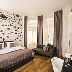 Отель Golden Crown 4* Улучшенный номер с двуспальной кроватью фото 11