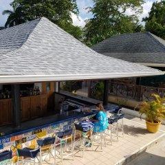 Отель White Sands Negril Ямайка, Саванна-Ла-Мар - отзывы, цены и фото номеров - забронировать отель White Sands Negril онлайн бассейн