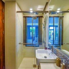 Отель At The Tree Condominium Phuket Номер Делюкс с двуспальной кроватью фото 8