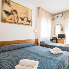 Hotel Nizza 2* Номер с общей ванной комнатой с различными типами кроватей (общая ванная комната) фото 4