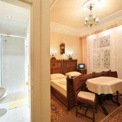 Отель Pension Amadeus 3* Улучшенный номер с различными типами кроватей фото 3
