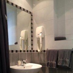 Отель H33 hôtel 2* Номер категории Эконом с различными типами кроватей