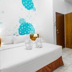 Отель Karon Sunshine Guesthouse & Bar 3* Стандартный номер с различными типами кроватей