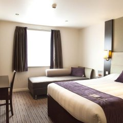 Отель Premier Inn Glasgow Pacific Quay комната для гостей фото 5