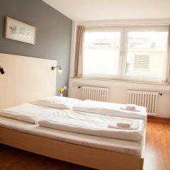 Отель a&o Düsseldorf Hauptbahnhof 2* Стандартный номер с различными типами кроватей фото 5