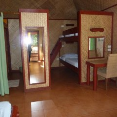 Отель The Old Tree House 2* Бунгало с различными типами кроватей фото 10
