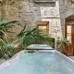 Отель Ta Drinu бассейн