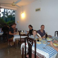 Отель Little Paradise Tourist Guest House and Holiday Home питание