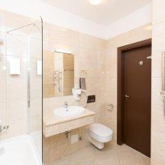Rixwell Gertrude Hotel 4* Стандартный номер с двуспальной кроватью фото 23
