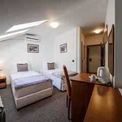 Garni Hotel Le Petit Piaf 3* Стандартный номер с различными типами кроватей фото 5
