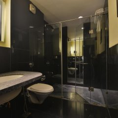 Hotel The Golden Oak Raipur ванная фото 2