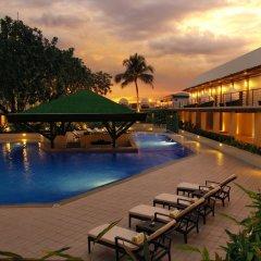 Отель The Manila Hotel Филиппины, Манила - 2 отзыва об отеле, цены и фото номеров - забронировать отель The Manila Hotel онлайн бассейн фото 2