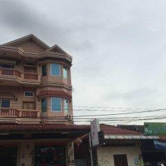 Отель Dou Sok Heng Guesthouse в Стунг-Тренге