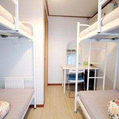 Отель Cheongdam Guest House 2* Кровать в женском общем номере с двухъярусной кроватью фото 3
