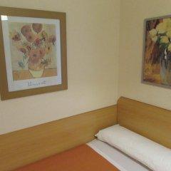 Отель Hostal Prim Мадрид комната для гостей фото 3