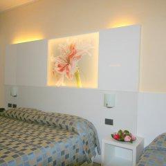 Отель Pesce d'Oro Италия, Вербания - отзывы, цены и фото номеров - забронировать отель Pesce d'Oro онлайн комната для гостей фото 2