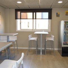 Отель Ciutadella Испания, Курорт Росес - 1 отзыв об отеле, цены и фото номеров - забронировать отель Ciutadella онлайн питание фото 2